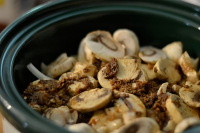 CrockPot Cube Steak. This recipe will make your house smell sooo good all day! Use homemade cream of mushroom soup to make it a real food winner!