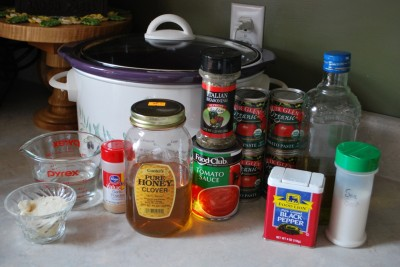 Homemade Crockpot Pizza Sauce. This homemade pizza sauce is sooo good and comes with zero questionable ingredients!